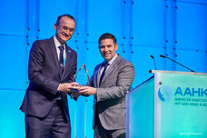 Award:  Stefano Bini, MD, recognized by AAHKS